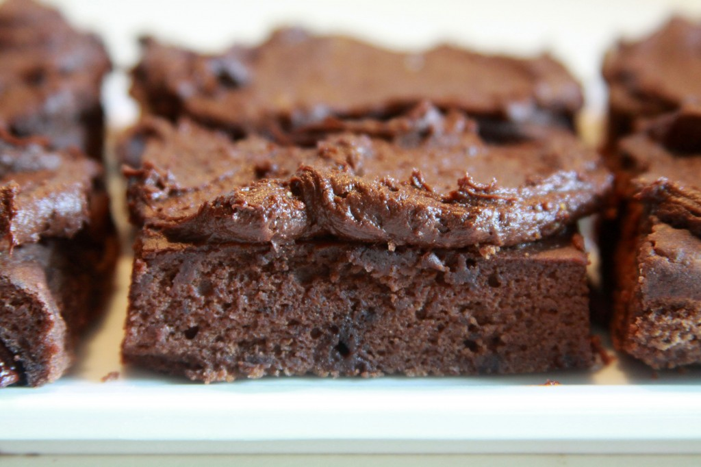 Healthy Peanut Butter Brownies with Chocolate-Avocado Frosting ...