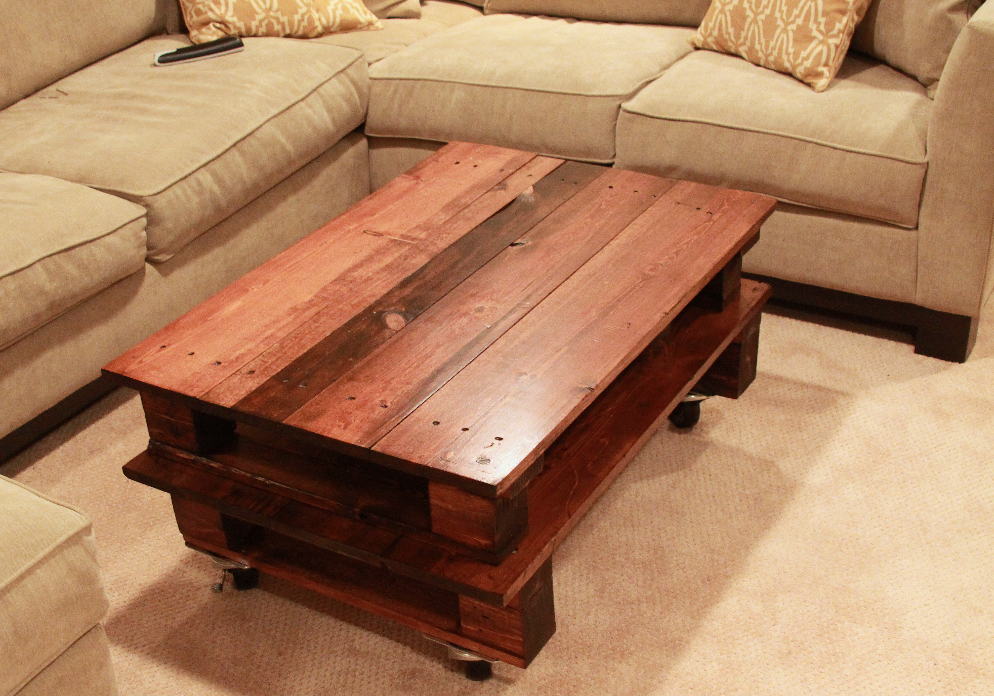 healthy diet breakfast recipes: DIY Pallet Coffee Table