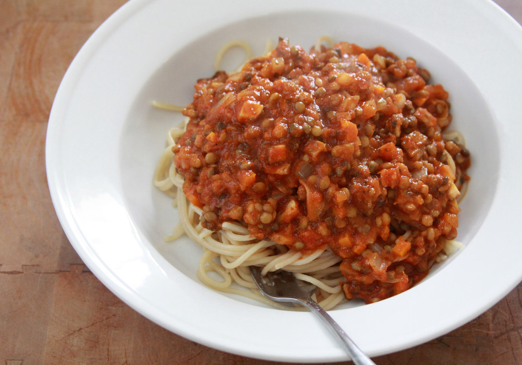 Spaghetti_With_Lentil_Sauce_1