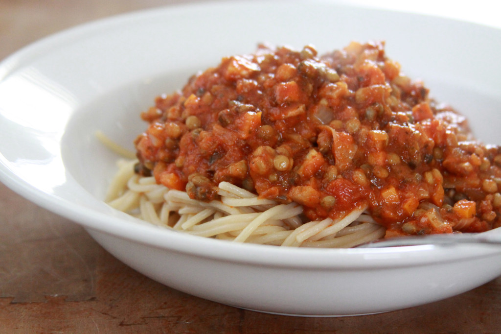 Spaghetti_With_Lentil_Sauce_2