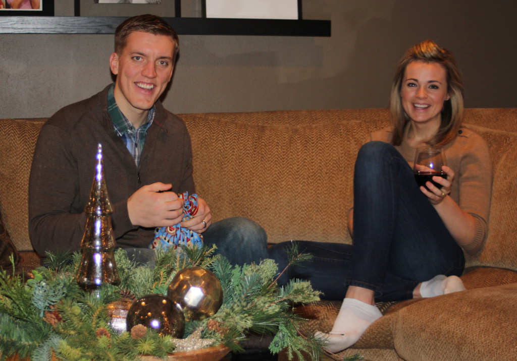 Christmas_Gift_Opening_1