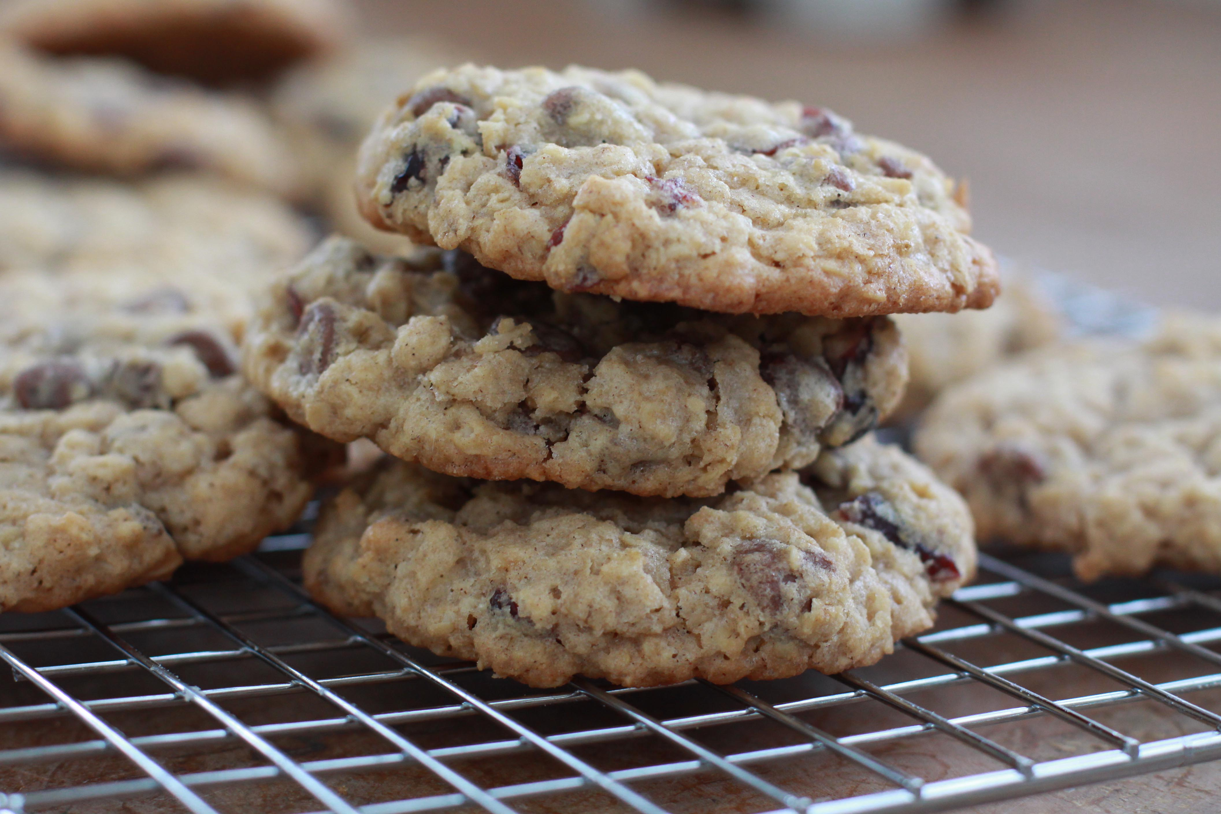 Oatmeal, Dark Chocolate & Cranberry Cookies | Espresso and Cream