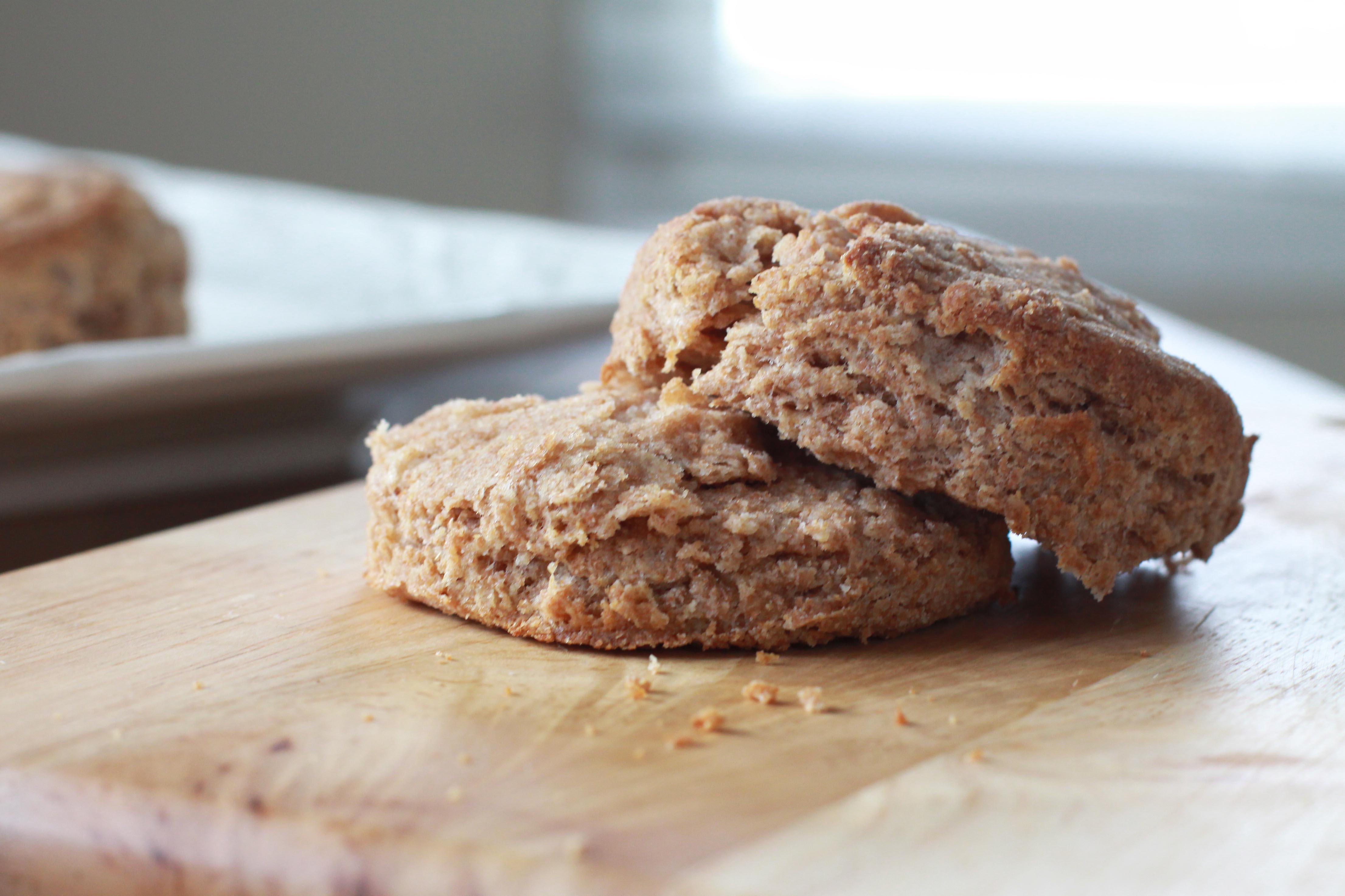 Whole Wheat Biscuits with Jam - Espresso and CreamEspresso and Cream