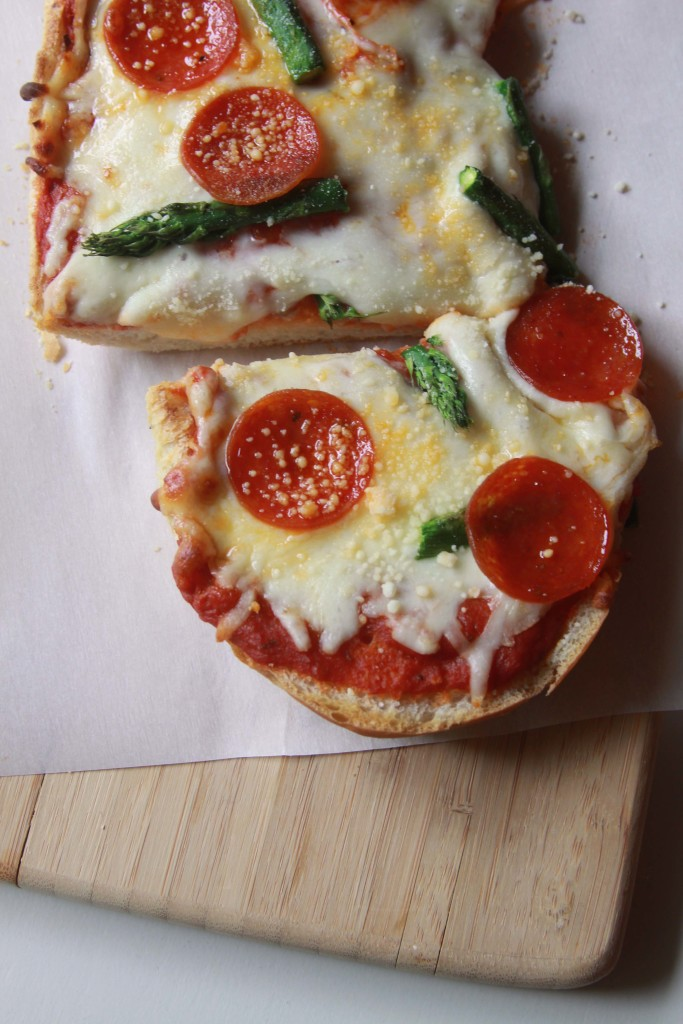 FrenchBreadPizza_3